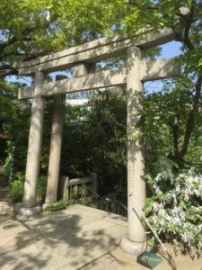 片柱の鳥居