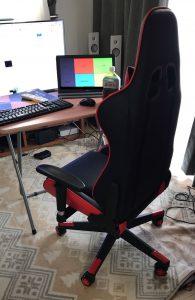 ゲーミング椅子のある部屋